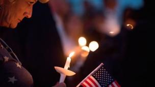 Tuerie de Las Vegas, la fusillade la plus sanglante des États-Unis avec 59 morts et plus de 500 blessés.