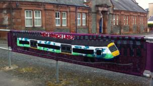 Yarnbomb on station road