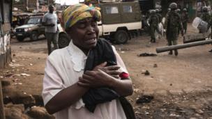 Des manifestations pro-oppositions ont déjà fait plusieurs morts. Les partisans de Raila Odinga veulent que l'opposant soit déclaré vainqueur mais les résultats semblent déjà donner une bonne avance au président sortant Uhuru Kenyatta.