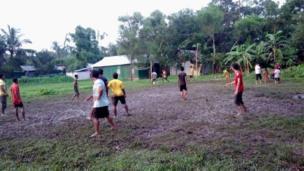 বর্ষায় গ্রামে ফুটবল