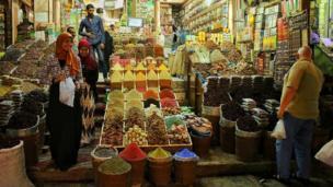 """""""El supermercado egipcio"""", describe desde Aswan, en Egipto, Rogeriuss."""