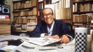 En 1988, l'Égyptien Naguib Mahfouz. auteur arabe engagé, est le lauréat du Prix Nobel de littérature.