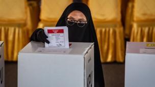 Seçimlerde sadece devlet başkanı değil, başkan yardımcısı, temsilciler meclisi üyeleri ve bölgesel temsilciler konseyinin üyeleri de oylanıyor.
