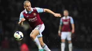 Joe Cole playing for West Ham
