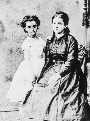 Jenny Marx con su hija mayor