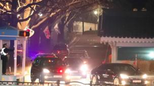 韩国被罢免的总统朴瑾惠周日(3月12日)离开总统府青瓦台。