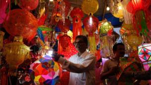 मुंबई में सज़ा बाज़ार