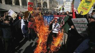 آتش زدن پرچم آمریکا در تهران