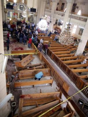 الأضرار التي لحقت بالكنيسة في أعقاب التفجير.
