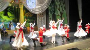 """نخستین اجرای باله """"زال و رودابه"""" در تاجیکستان"""
