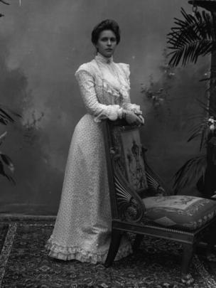 Retrato de la princesa Alicia de Battenberg en el año 1910