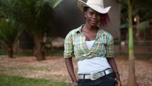 Viola Namuwawu, w'imyaka 24, utuye i Bunga i Kampala muri Uganda