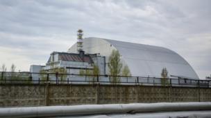 Від минулого року над зруйнованим четвертим реактором ЧАЕС встановлена захисна арка.