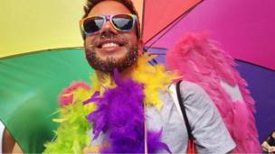 งาน Pride in London ประจำปีนี้ตรงกับวาระครบรอบ 50 ปี ที่การที่ผู้ชายมีเพศสัมพันธ์กับเพศเดียวกันไม่ใช่การทำผิดกฎหมายในอังกฤษและเวลส์