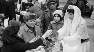 Bakı şəhərinin qədim hissəsində Novruz bayramı (21 mart 1984).