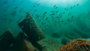 Imagens de cidades egípcias sob as águas do Mediterrâneo