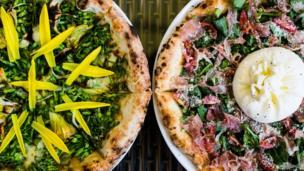 Pizza 4P's hiện đã có 6 cửa hàng ở Hà Nội, Đà Nẵng và Tp HCM.