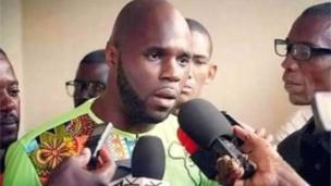 """L'activiste franco-béninois """" anti-franc CFA"""", Kemi Saba a été expulsé de Dakar vers la France."""