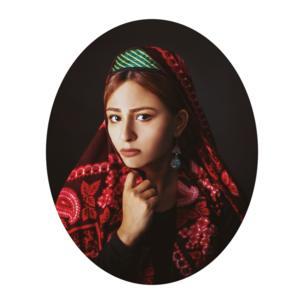 مجموعه پرترههای زنان افغانستان تلاشی است تا زیباییهای زنانگی همراه با پوششهای مختلف را نمایان کند.