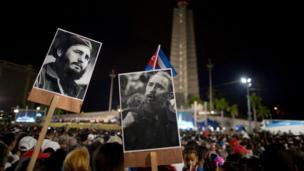مردم در تظاهراتی گسترده در میدان انقلاب در هاوانا به افتخار فیدل کاسترو، رهبر فقید شرکت کردند