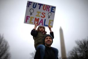مسيرة لدعم النساء
