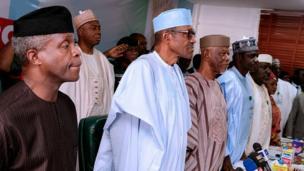 Shugaban Najeriya Muhammmadu Buhari da Mataimakinsa Yemi Osinbajo lokacin da suka halarci taron kwamitin koli na jam'iyyar APC a Abuja ranar Talata