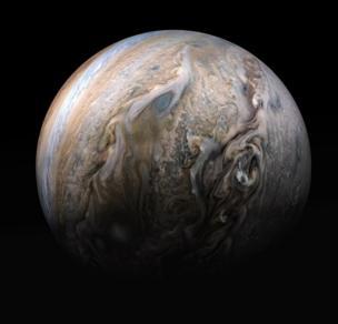 Imagen de Júpiter tomada por la astronave Juno.