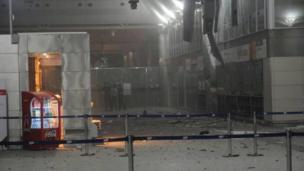 La entrada del aeropuerto de Ataturk tras el atentado suicida del martes 28 de junio.