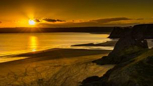 A sunset at Three Cliffs Bay, Gower