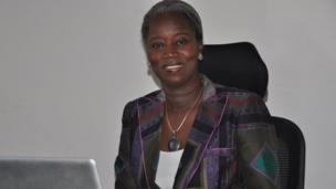 Parmi les 100 femmes qui ont le plus influencé, Aminata Niane, seule femme à avoir dirigé l'Agence nationale pour la promotion des investissements et des grands travaux au Sénégal.