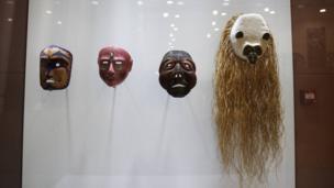 Des masques exposées