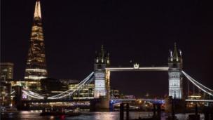 جسر برج لندن.