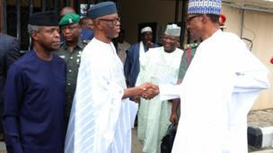 Oyegun suna gaisuwa da shugaba Muhammadu Buhari