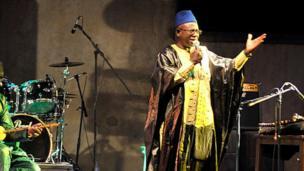 Kassé Mady Diabaté, l'une des plus belles voix de la musique traditionnelle malienne est décédé. Il s'est éteint à 69 ans dans la nuit de jeudi a vendredi, des suites d'une longue maladie.