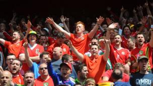 Wales fans at the Stade Bollaert-Delelis