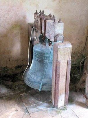 Bremilham Church, Cowage Farm, Malmesbury (stolen bell)