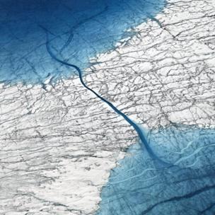 Dos lagos unidos por un río