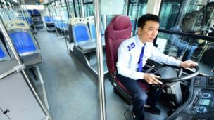 Theo giới chức, tại các nhà chờ và cả trên xe buýt sẽ phủ sóng wifi miễn phí.