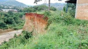 """Uruzi Ntahangwa rusugereje kandi ishure nshingiro rya Nyakabiga rya """"Jardin Public""""."""