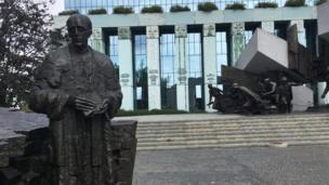 Tượng Khởi nghĩa Warsaw 1944
