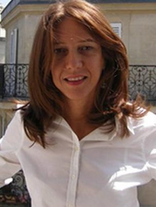 Denise Bernuzzi posa para foto