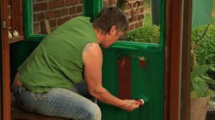 Pintando una puerta