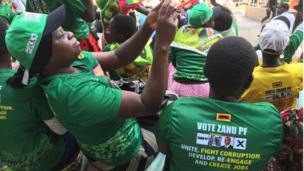 Ndị otu ndọrọndọrọ Mugabe n'akwamozu ya