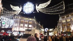 Лондон, белгилүү Риженд көчөсү Крисмас алдында өзгөчө туристтерге толот