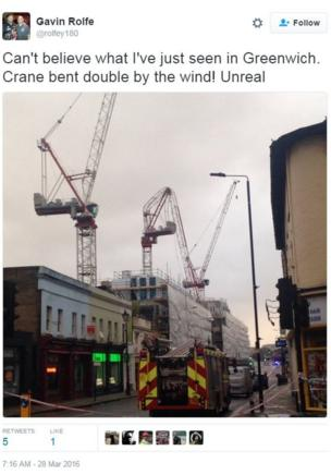 A collapsed crane, Greenwich, London. Credit: Gavin Rolfe on Twitter