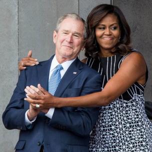 Michelle Obama y George W. Bush