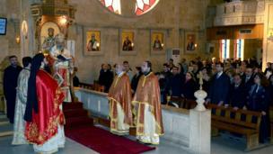 Halep'teki Hristiyanlar Noel ayinine katılıyorlar