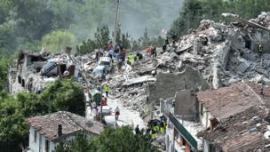 Aldea de Pescara del Tronto completamente destruida