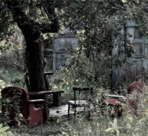 """Валдис Пилскалнс: """"Такое необычное место и мебель я нашел относительно недавно в пригороде Калининграда""""."""