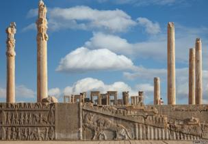 515 ई.पू. में परसेपोलीस हखामनी साम्राज्य की राजधानी थी.